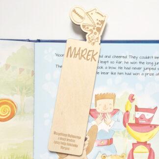 drewniana zakładka do książki z dinozaurem prezent dla dziecka z dedykacją i imieniem