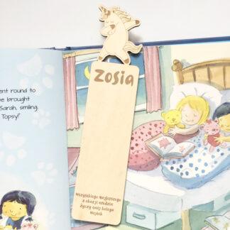 drewniana zakładka do książki z jednorożcem prezent dla dziecka z dedykacją i imieniem
